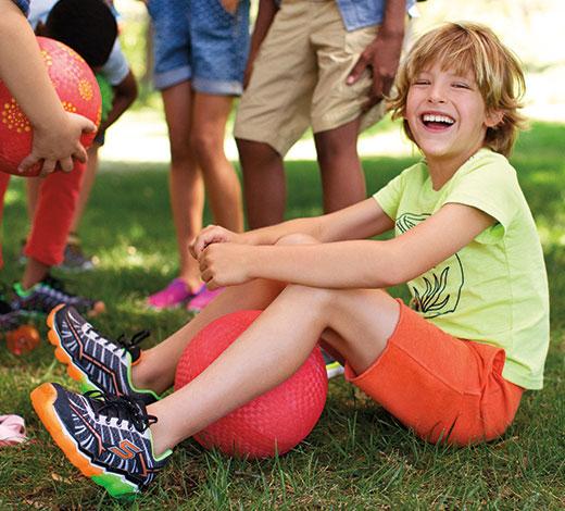 Entdecke Skechers Kinderschuhe für Jungen