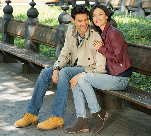 Shop for men's and women's boots on Skechers.com including fashion, comfort and sport designs.